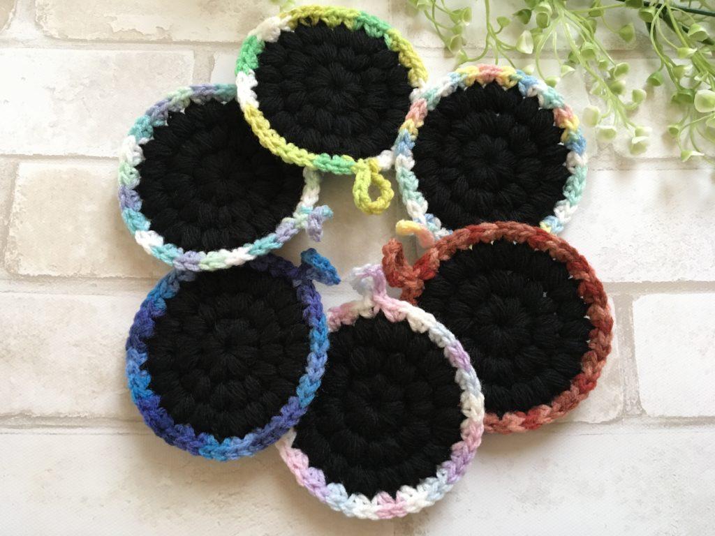 ダイソーのアクリル毛糸とカラフル毛糸で玉あみのアクリルたわしを編んでみた