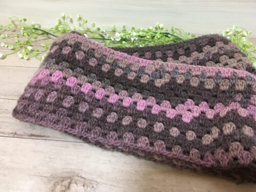ダイソー毛糸のグラデーションウールで編んだスヌード