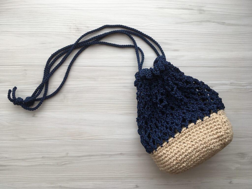 麻ひもとマクラメヤーンの巾着バッグ