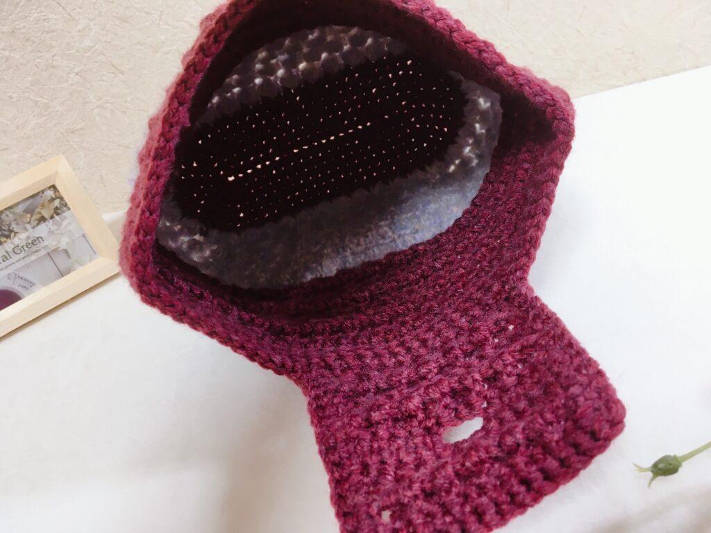 メランジテイスト2021秋冬毛糸クリムゾンレッドとミュゼで編んだポーチバッグ