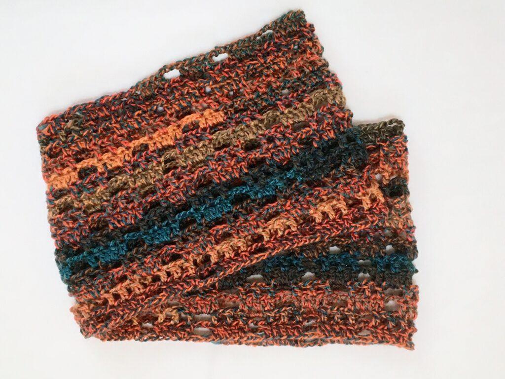 おとなグラデーションで編んだ方眼編みスヌード
