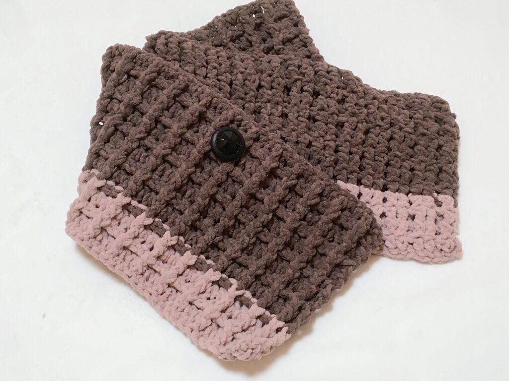 美味しそうの見えるワッフル編みのミニマフラーを編みました