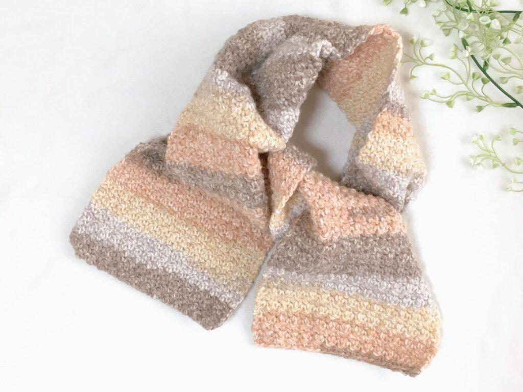 かぎ針編みの簡単なマフラー